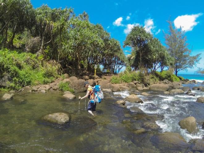 kalalau_trail_stream_crossing-1024x768